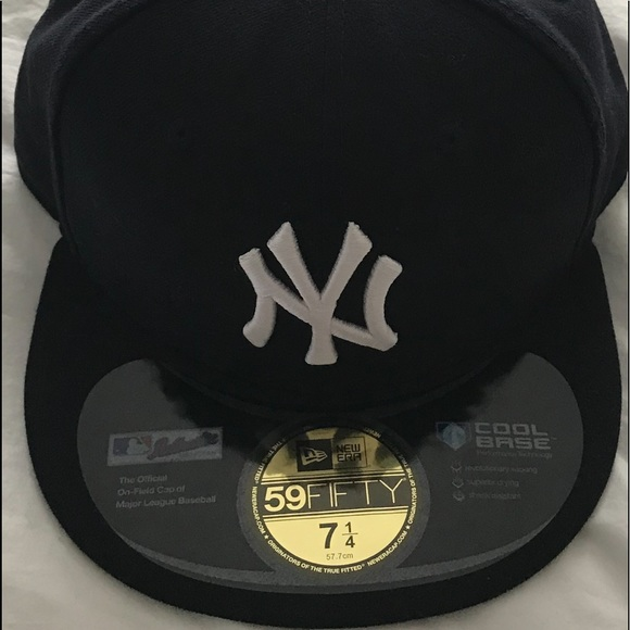 5bc9c6ad1 New Era Accessories | Yankees Size 7 14 Fitted Cap New With Tags ...